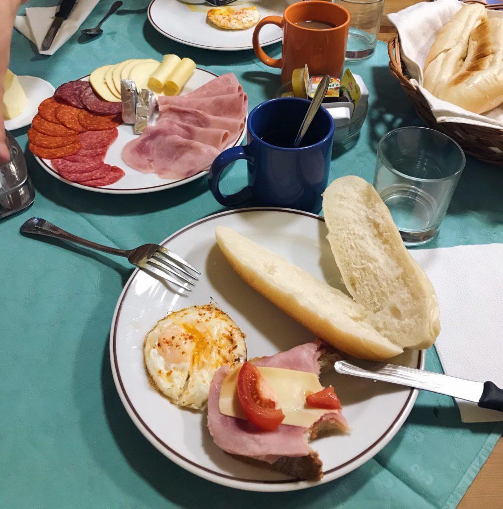 Śniadanie w górach