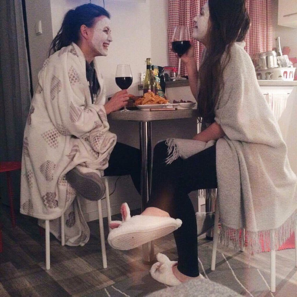 Wino z przyjaciółką